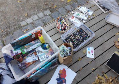 12 Für unsere Kunstwerke benutzen wir Buntstifte, Ölkreiden, Wachspastellkreiden, Acryl- und Aquarellfarben.