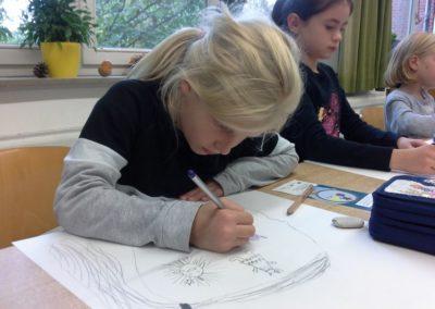 Mia malt ihre Gefühle als Figuren in ihren Kopf.