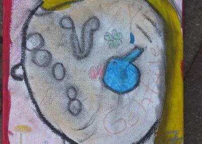 """112 Linda sagt: """"Ich habe Liebe im Kopf und ich bin glücklich, weil ich in der Schule lernen kann. Die Träne habe ich gemalt, weil ich manchmal auch traurig bin."""""""